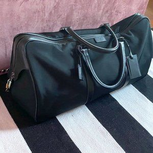 Large Black Nylon & Leather Strap Gucci Duffle Bag